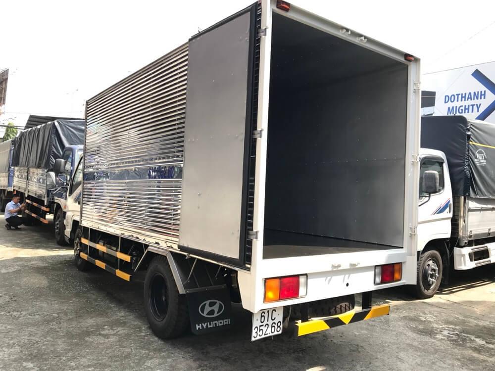 xe tải 2.5 tấn Hyundai IZ49 thùng kín - 4