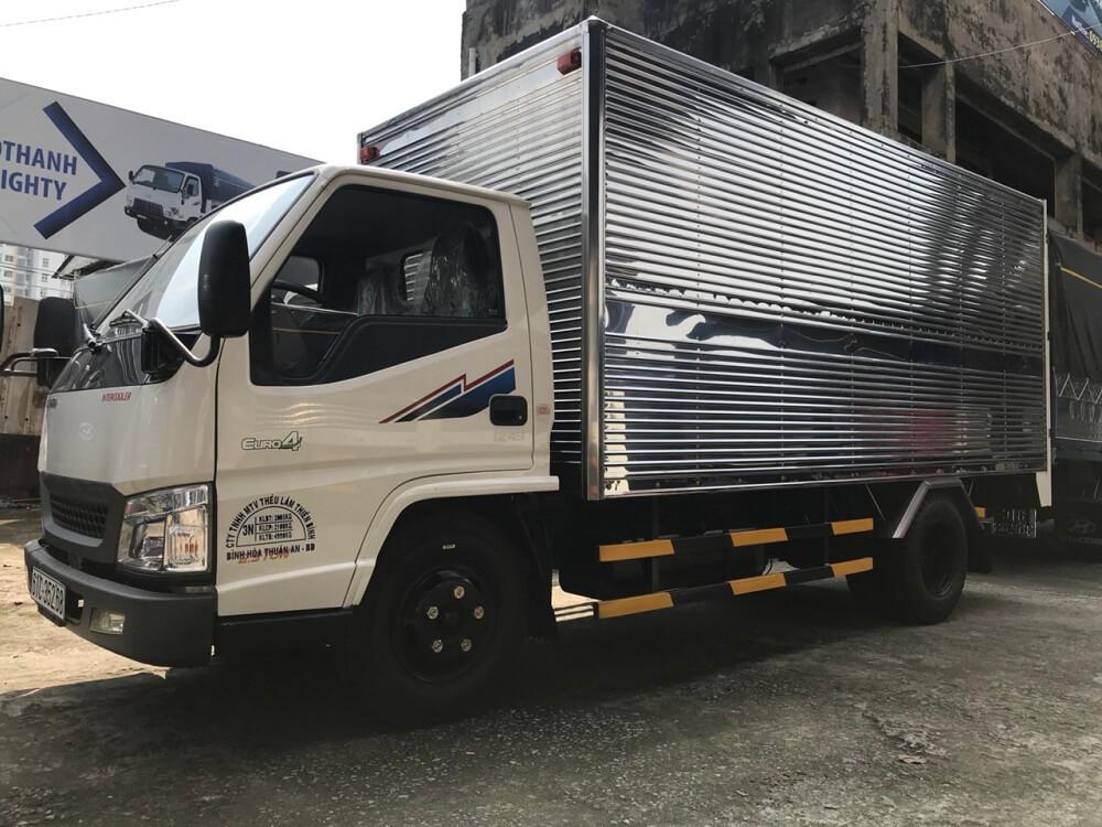 xe tải 2.5 tấn Hyundai IZ49 thùng kín - 9
