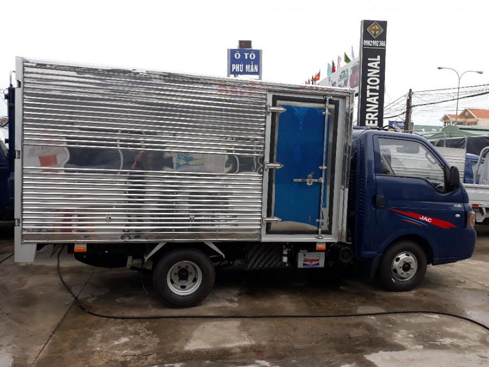 Giá xe tải 2.4 tấn mới nhất: xe tải JAC thùng kín giá rẻ