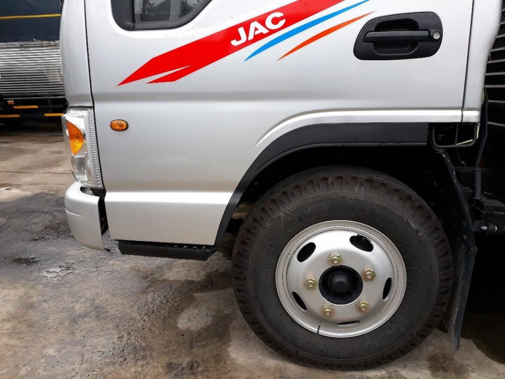 XE TẢI JAC 2T4 THÙNG KÍN - 4
