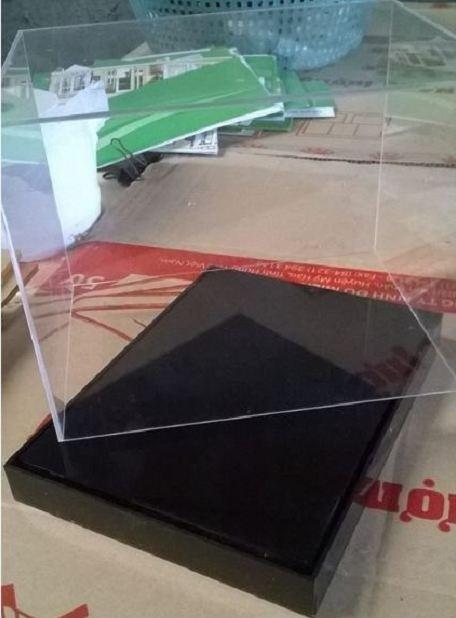 Hộp mica đựng sản phẩm mẫu - Hộp chụp sản phẩm lưu niệm