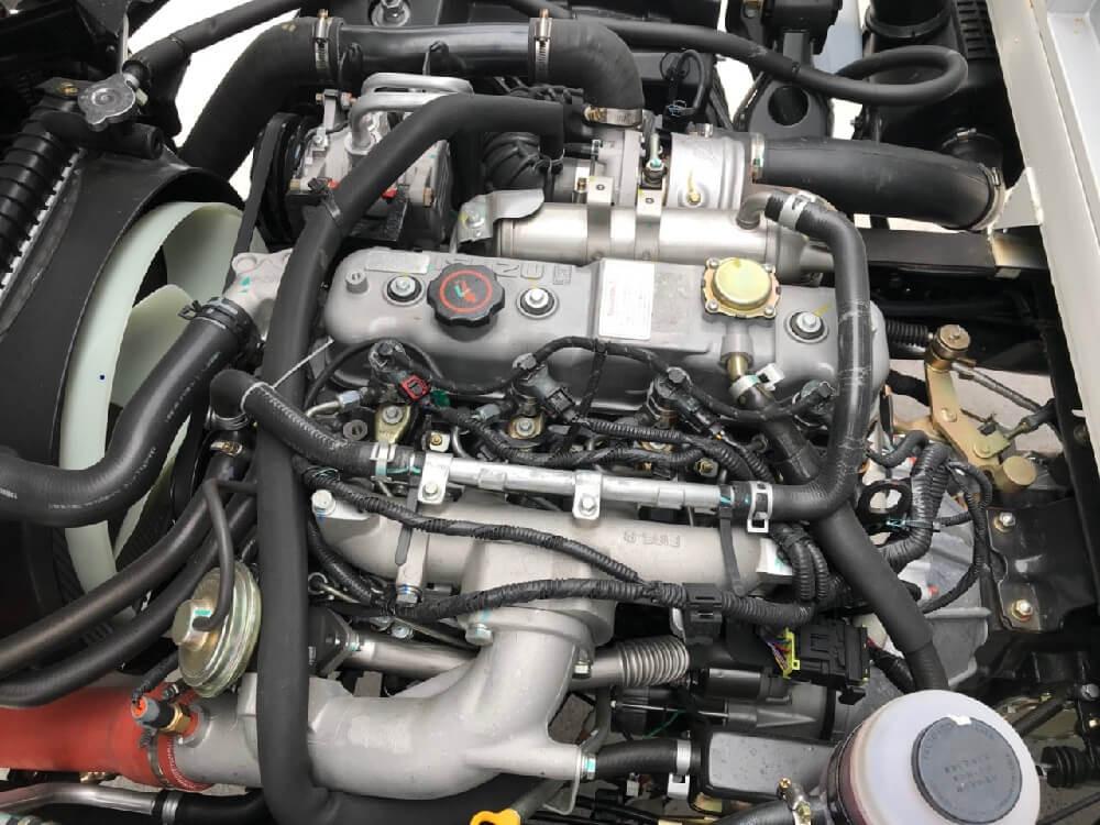 động cơ xe tải IZ49 thùng bạt