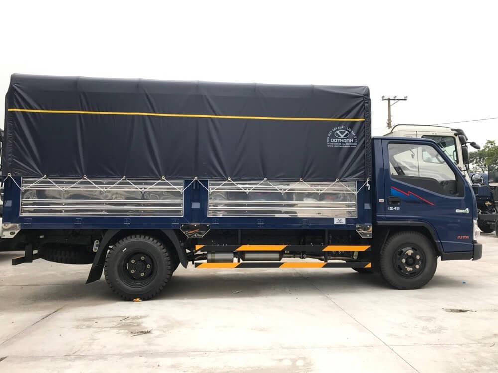 báo giá xe tải iz49 thùng bạt - 3