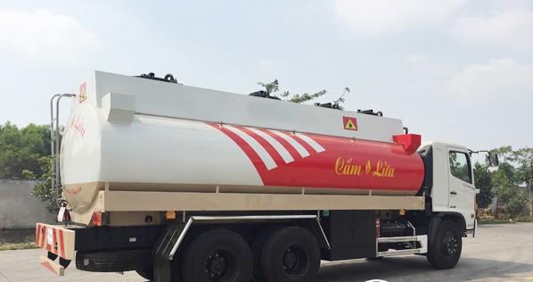 Đánh giá xe xitec chở xăng dầu 18m3 Hino(1)