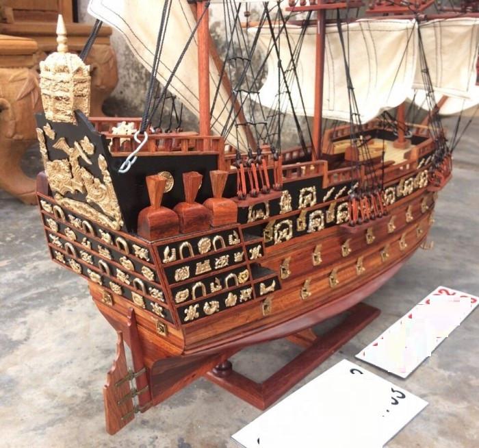 Chi tiết Thuyền cổ đại gỗ hương
