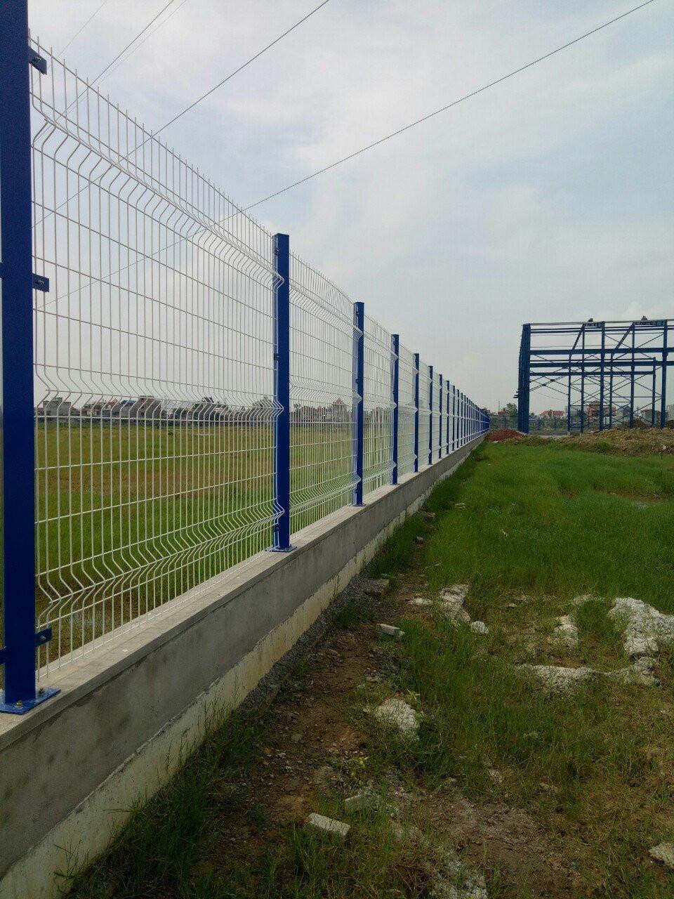 Sản xuất lưới thép hàng rào bẻ tam giác, hàng rào uốn sóng, hàng rào sơn tĩnh điện