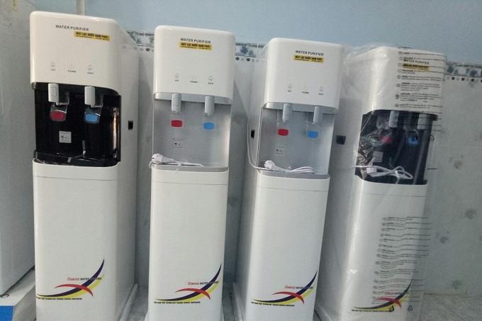Sơ nét về máy lọc nước thiết kế 2 vòi nóng lạnh tiện lợi cho nhu cầu sinh hoạt