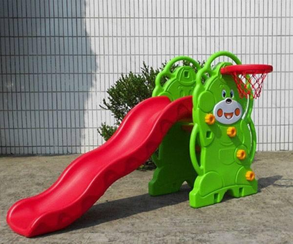 cầu trượt cho bé từ 2 đến 4 tuổi