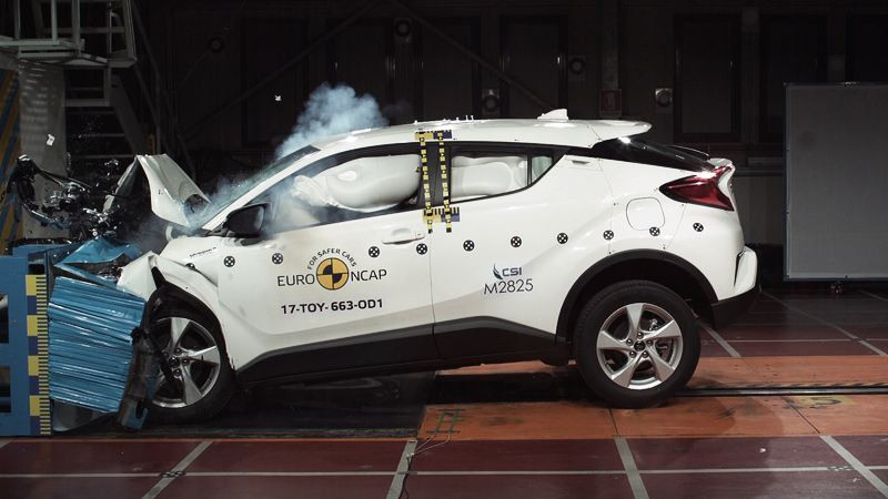 Những trang bị an toàn cần biết khi mua xe hơi
