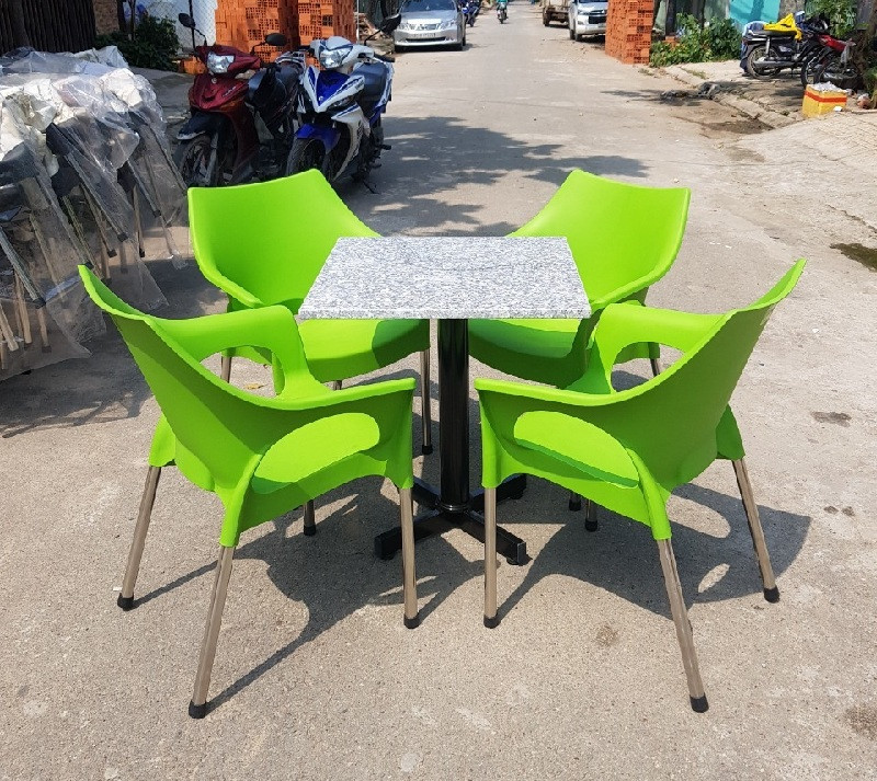 Những mẫu ghế nhựa đúc chân inox cao cấp vừa hiện đại vừa dễ sử dụng nên trang bị ngay cho quán cafe