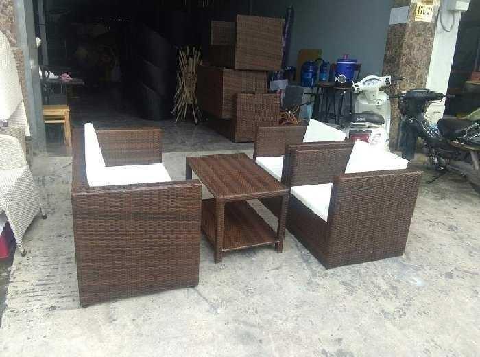 Nhờ giá thành rẻ, bàn ghế cafe nhựa được sử dụng khá phổ biến