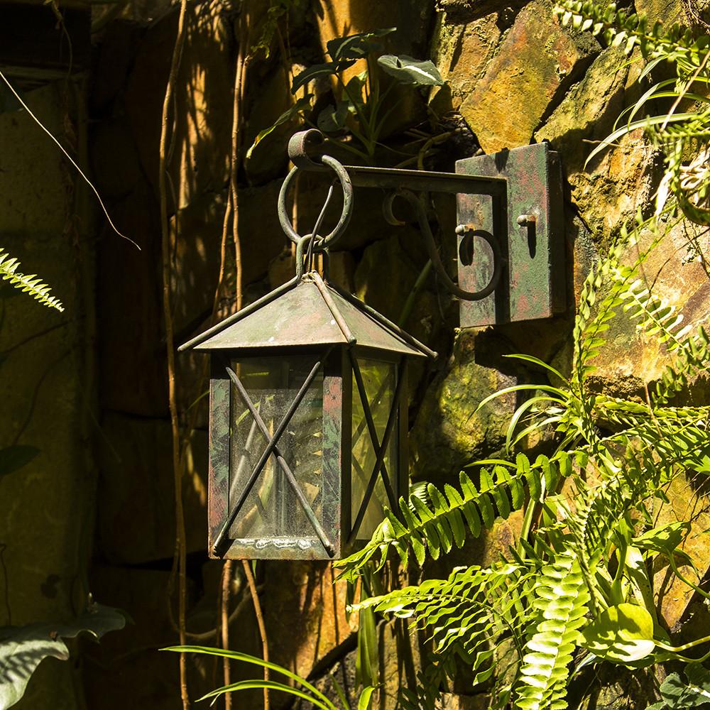 4 tiêu chí lựa chọn đèn cho sân vườn đẹp và chất lượng