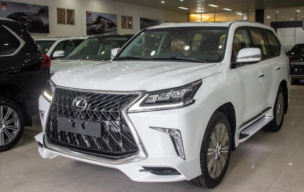 Lexus LX570 2019 giá bao nhiêu?
