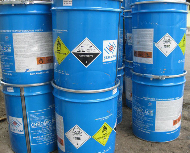 Kinh nghiệm giữ an toàn khi sử dụng hóa chất công nghiệp
