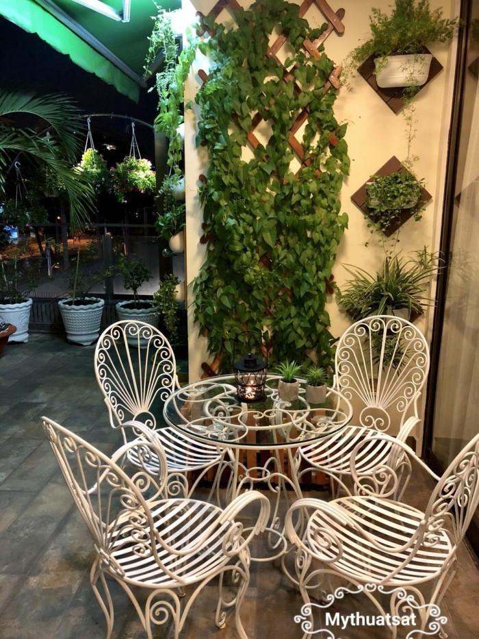 Bộ bàn ghế đuôi công sân vườn - Mẫu bàn ghế hàng đầu hiện nay