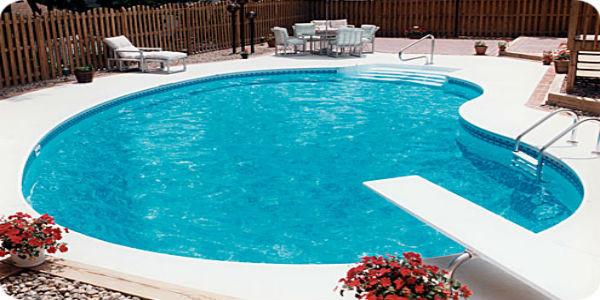 5 thiết bị không thể thiếu cho hoạt động của hồ bơi
