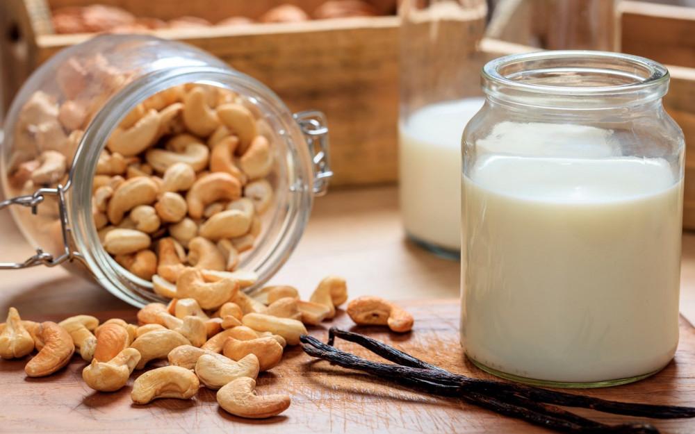 Những lợi ích sức khỏe của sữa hạt điều khiến bạn ngạc nhiên