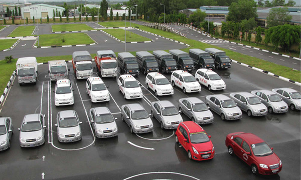 Nhận hồ sơ đăng ký học bằng lái xe ô tô hạng B2