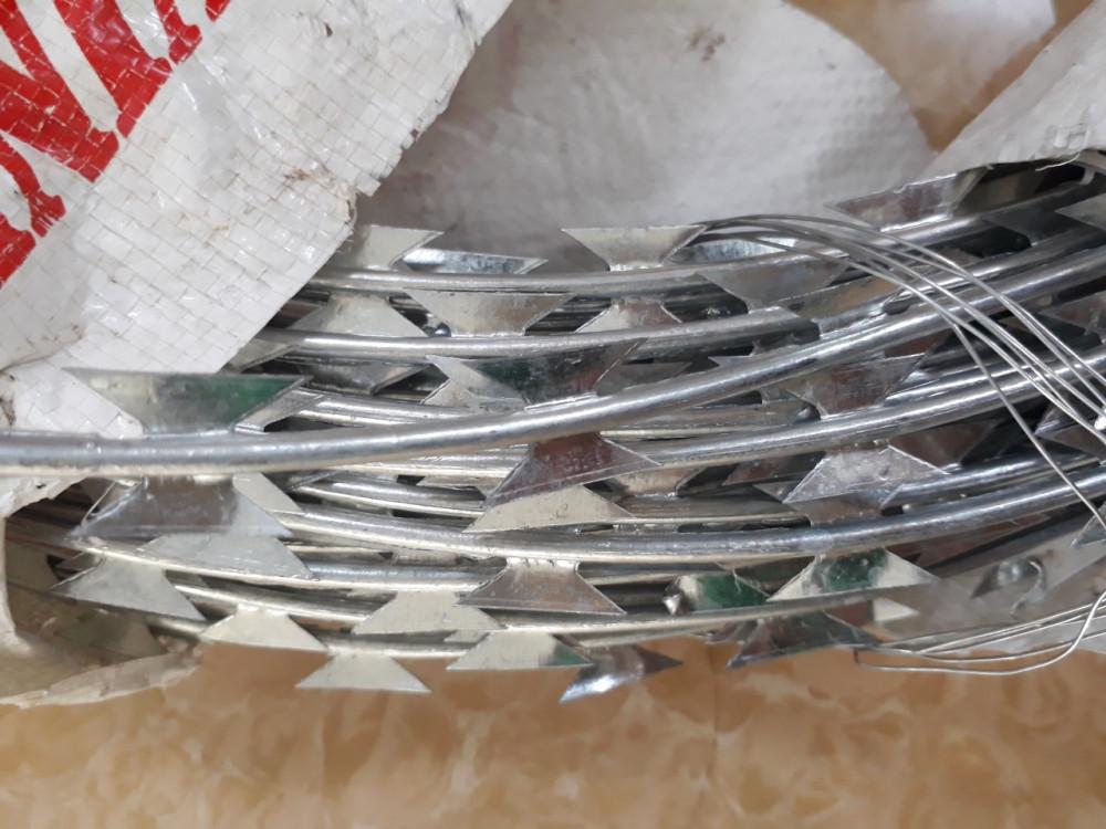 Địa chỉ mua dây thép gai hình dao tại Hà Nội(1)