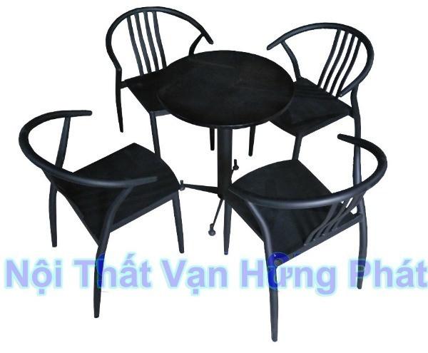 Bộ bàn ghế Whishbone sắt
