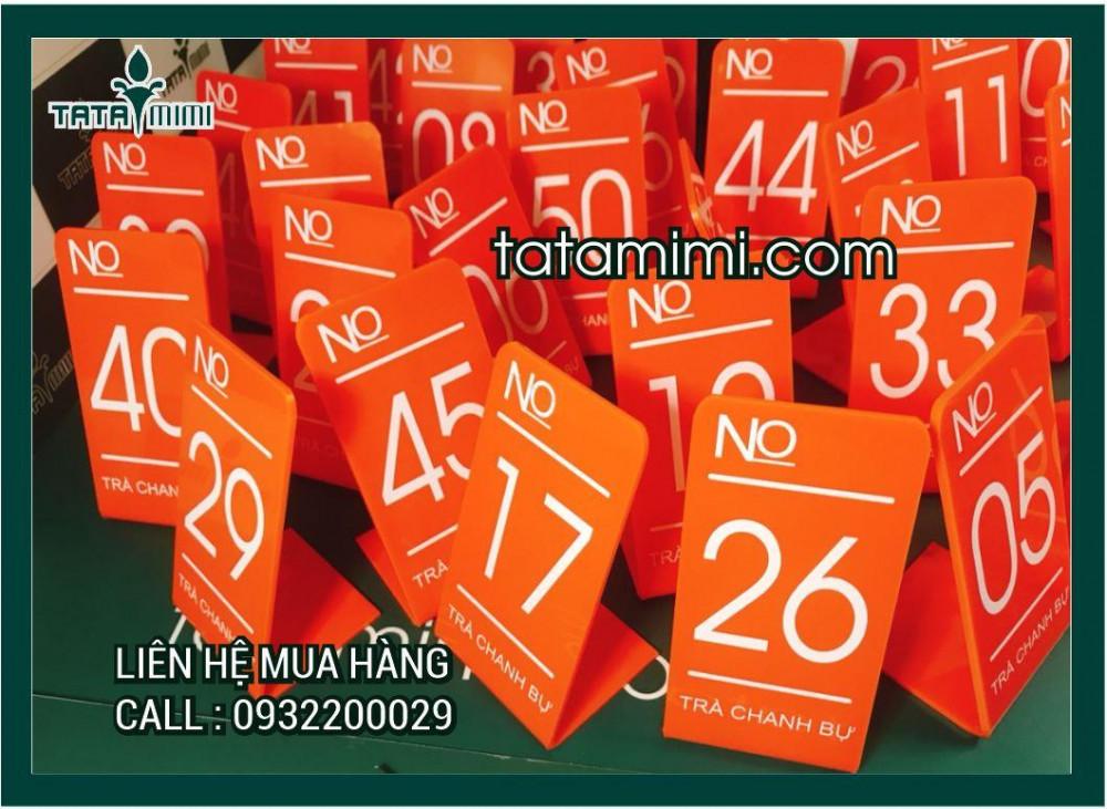 Biển số bàn mica màu cam