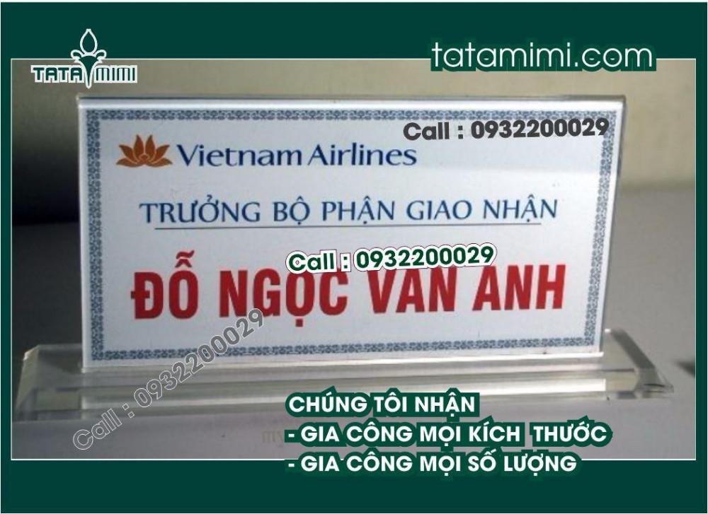 Bảng tên chức danh mica để bàn – TATAMIMI