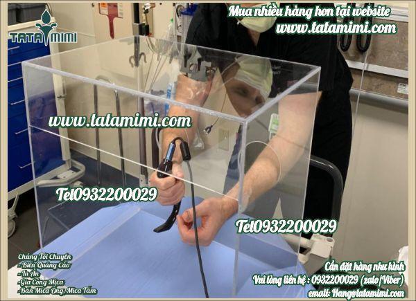 Sản xuất hộp chụp mica trong phòng chống dịch covid