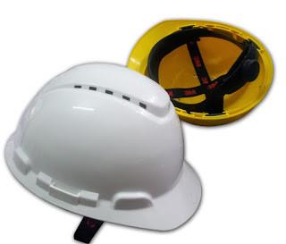 Mũ bảo hộ được làm chất liệu nhựa ABS (nguồn: internet)