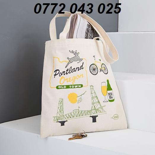 In gì lên túi tote, túi canvas để làm quà tặng quảng cáo in logo