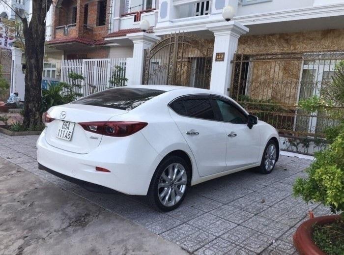 Đánh giá xe Mazda 3 2.0 AT skyactiv màu trắng cũ số tự động sản xuất 2015 full options