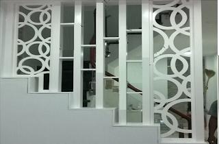Các mẫu vách ngăn cầu thang đẹp phù hợp cho gia đình(3)