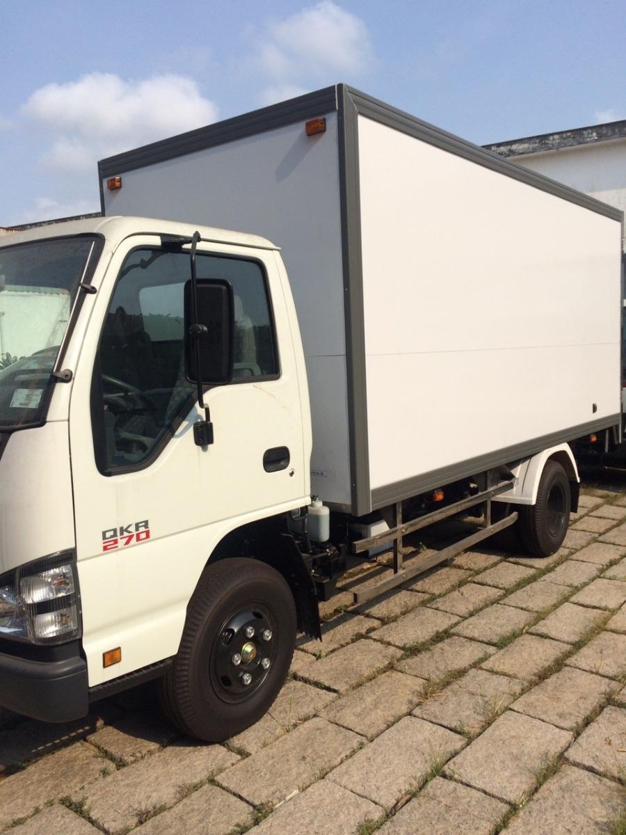 Bên cạnh chất lượng được người dùng tin tưởng, giá xe tải Isuzu 1T9 được đánh giá là phù hợp với những trang bị có trên xe