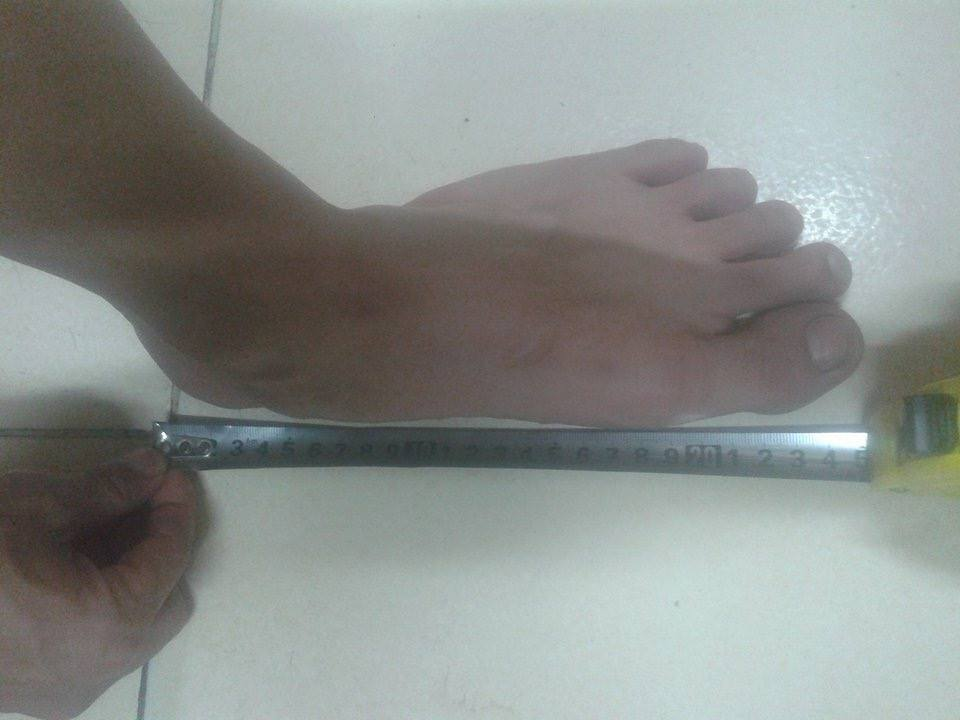 Đo chiều dài bàn chân