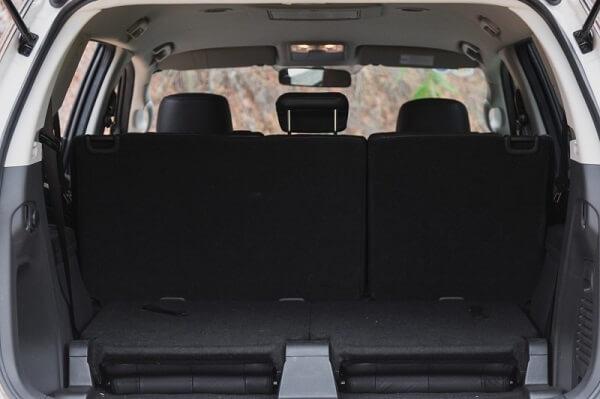 Khoang hành lý được mở rộng nếu gập hàng ghế sau.