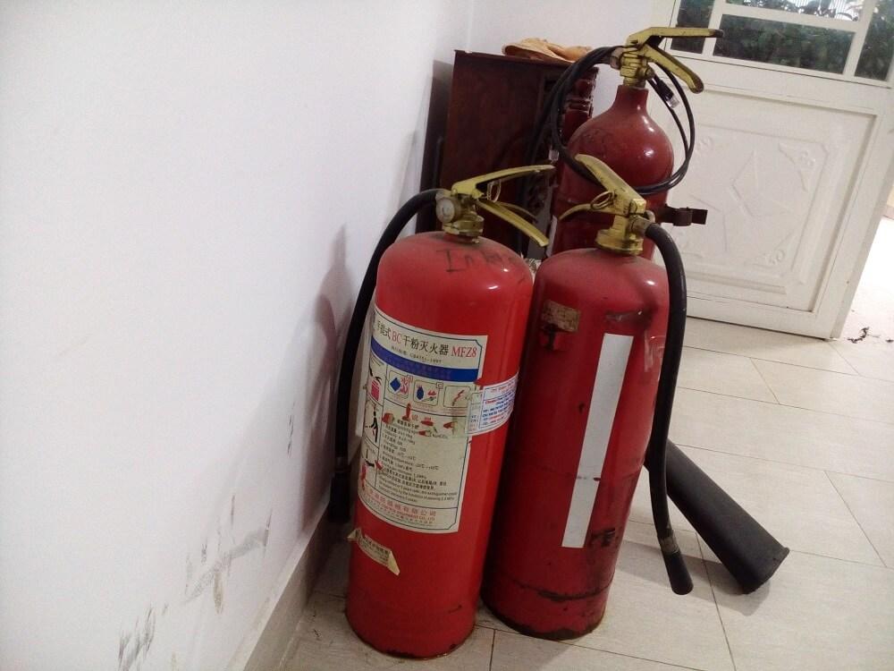 Vị trí bình cứu hỏa được đặt trong nhà cao tầng