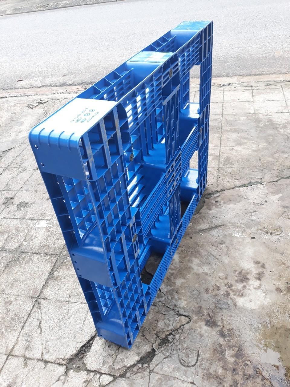 Chọn mua pallet nhựa nhập khẩu