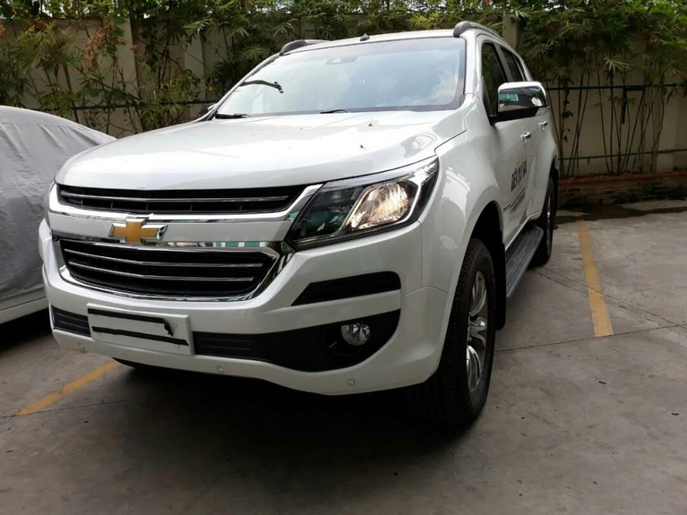So sánh giá xe Chevrolet Trailblazer 2018 và các đối thủ SUV 7 chỗ tại Việt Nam