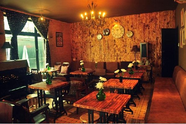 Công ty nội thất Vạn Hưng Phát chuyên sản xuất và phân phối các loại bàn ghế nhà hàng(2)