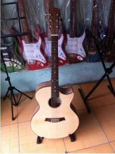 Đàn guitar phím lõm giá rẻ quận Bình Tân(1)