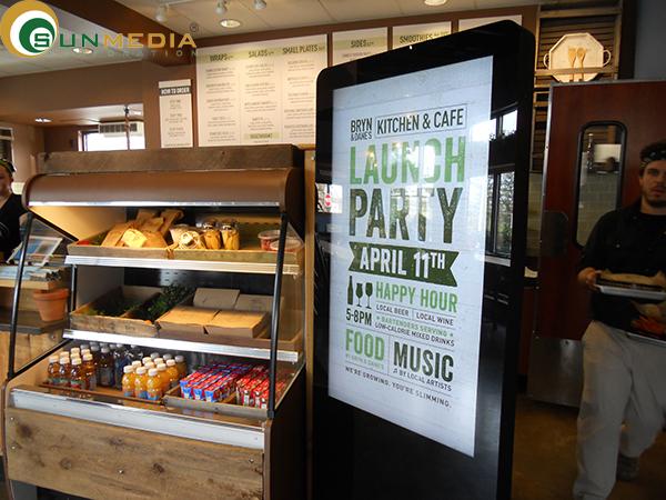 Xây dựng menu trên màn hình quảng cáo chân đứng - cách thức mới cho nhà hàng(2)