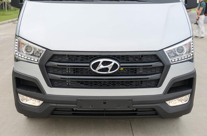 Hyundai Solati thiết kế Châu Âu thời thượng(1)