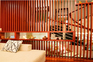 Lam gỗ cầu thang đẹp - lam gỗ trang trí cầu thang