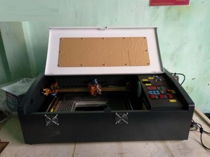 Giới thiệu máy khắc cắt mica bằng tia laser