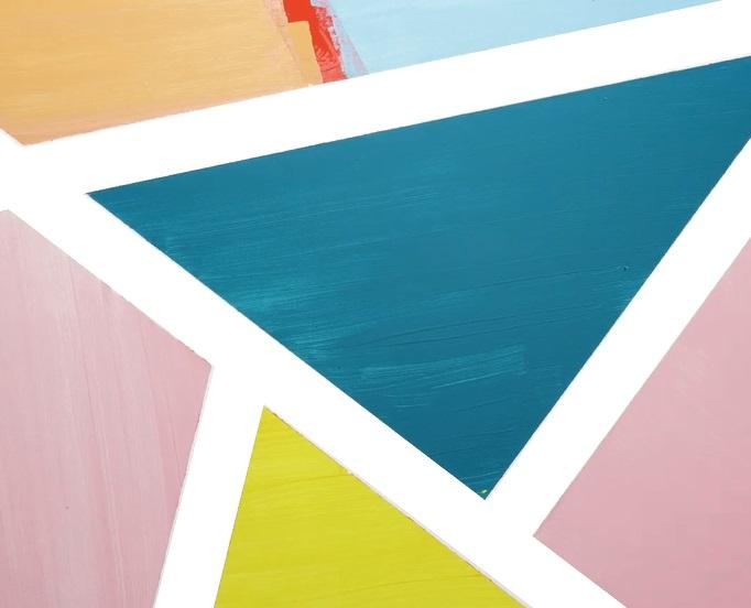 Bức tường những hình tam giác sắc màu