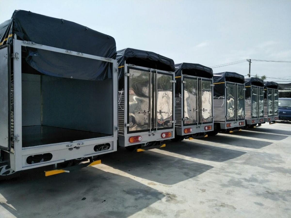 Ngoại thất xe tải Hyundai H150 mui bạt