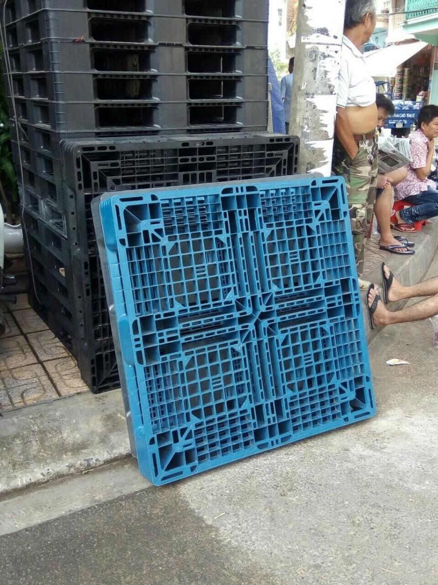 pallet nhựa thanh lý nhập khẩu tại bình dương
