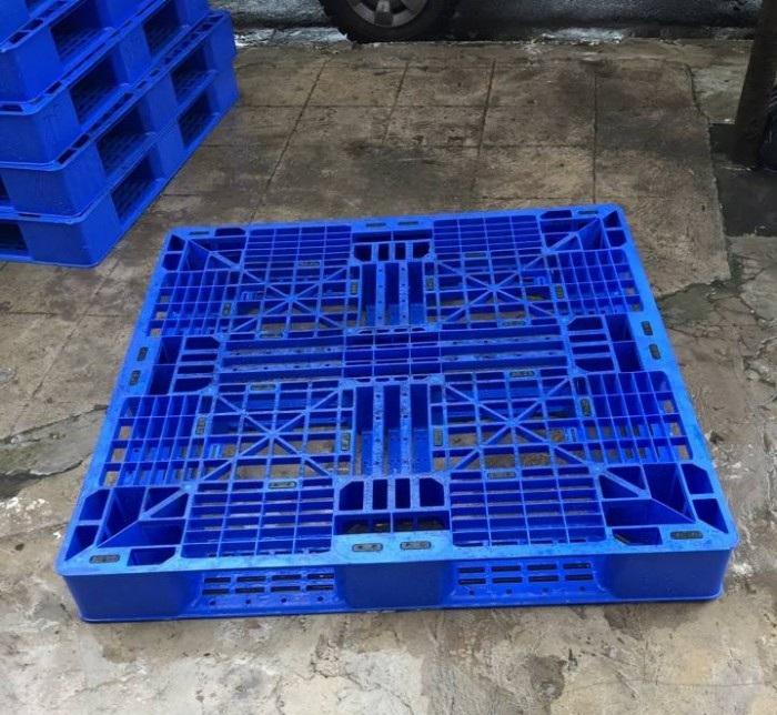Pallet nhựa cũ giá rẻ siêu nặng 1300x1100x150mm màu xanh dương
