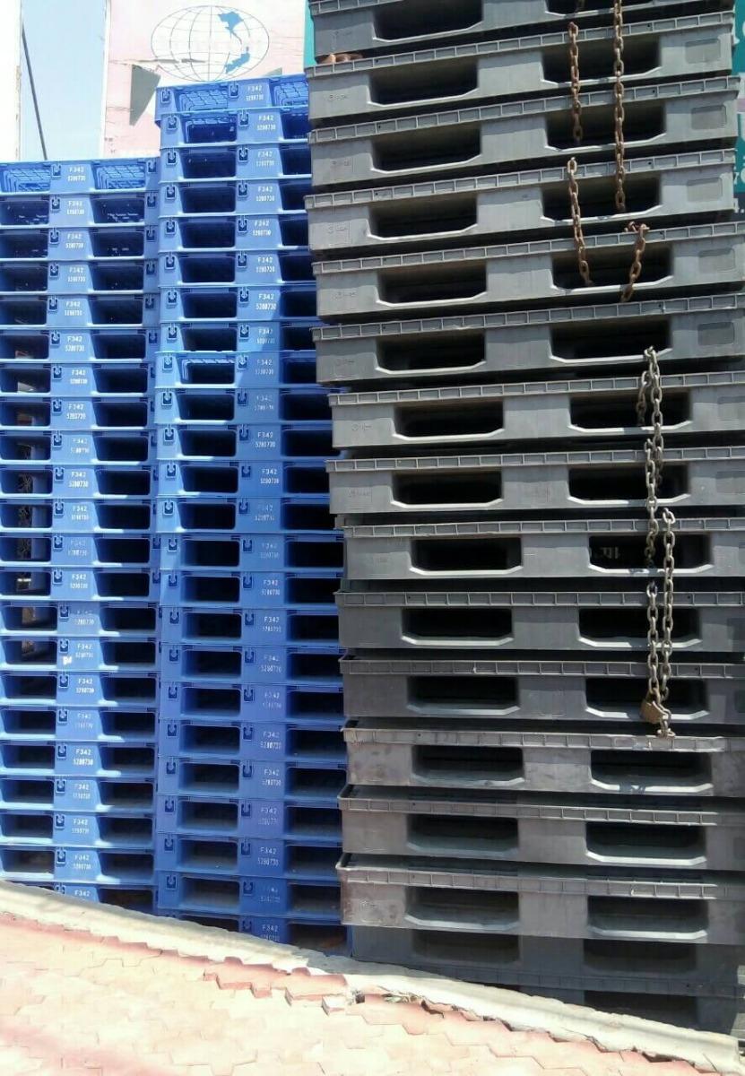 pallet nhựa thanh lý nhập khẩu